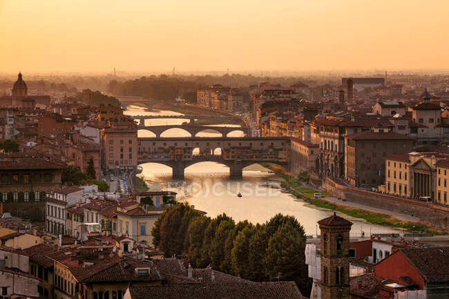 Florence city view over river arno — Stock Photo