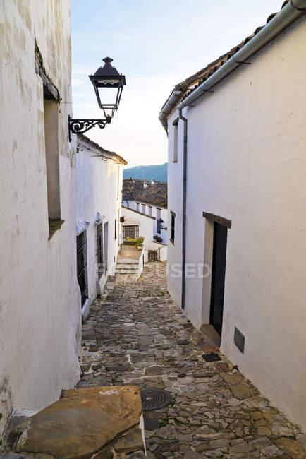 Узкие улочки в Кастельяр-де-ла-Фронтера, Кадис, Андалусия, Испания — стоковое фото
