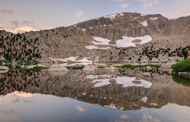 Morning Reflections in Chicken Spring Lake, Inyo National Forest, California, America, USA — Stock Photo