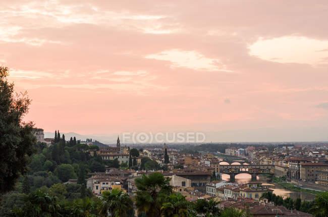 Maestoso paesaggio urbano al tramonto, Firenze, Italia — Foto stock