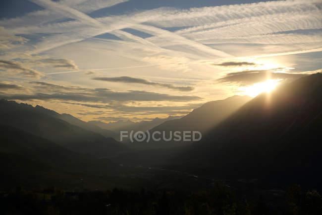 Vista panorâmica dos majestosos alpes suíços, suíços — Fotografia de Stock