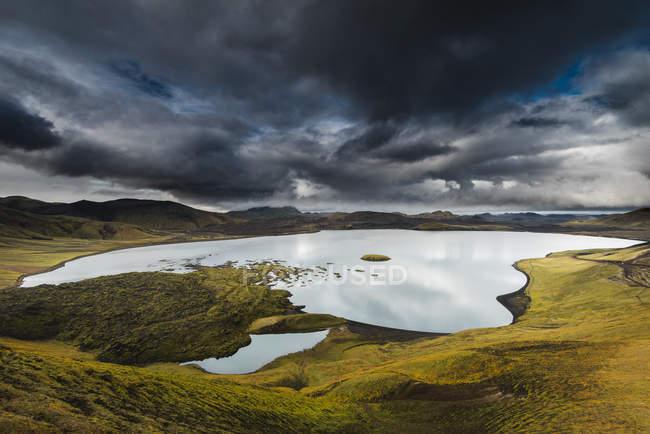 Vue panoramique sur le majestueux landmannalaugar, Islande — Photo de stock