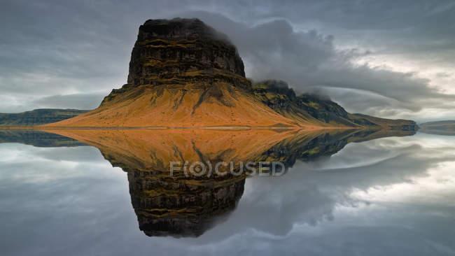 Vue panoramique de Lomagnupur, Skeidararsandur, South Iceland, Islande — Photo de stock