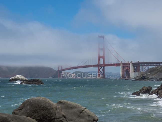 Мальовничий вид на міст Золоті ворота, Сан-Франциско, США — стокове фото