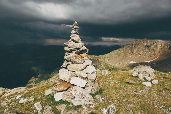 Vista panoramica di Stack di rocce su una montagna — Foto stock