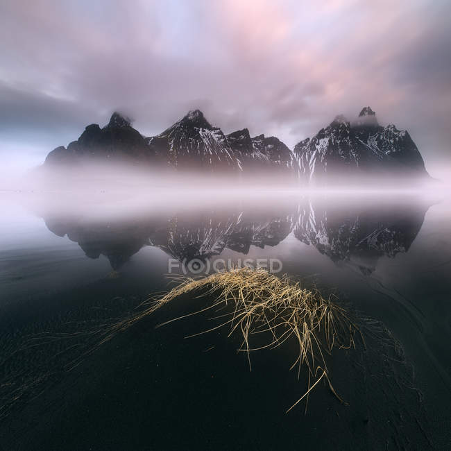Scenic view of Vestrahorn mountain landscape at sunrise, Iceland — Stock Photo