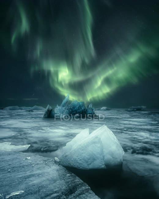 Scenic view of Icebergs in Jokulsarlon lagoon, Iceland — Stock Photo