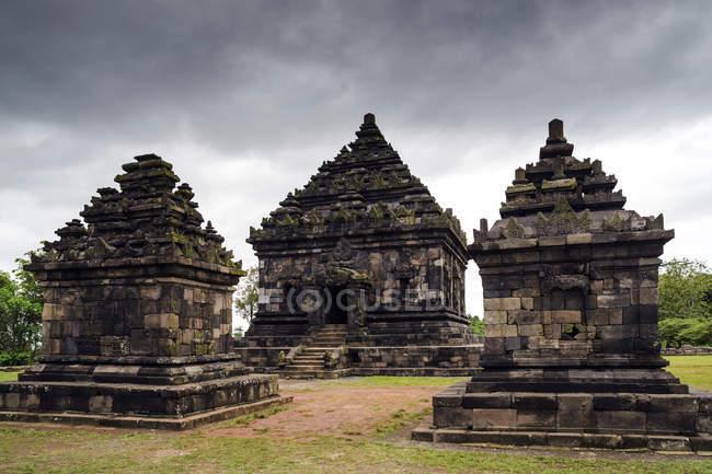 Vue panoramique sur le temple Candi Ijo, Yogyakarta, Indonésie — Photo de stock