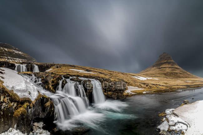 Scenic view of Kirkjufell, Snaefellsnes Peninsula, Iceland — Stock Photo
