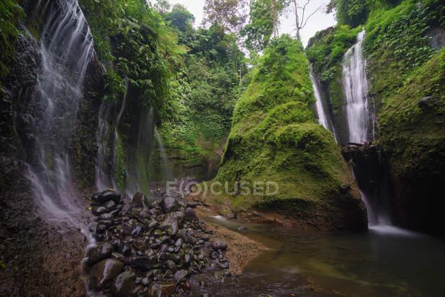 Scenic view of Waterfall, Rinjani National Park, Lombok, Indonesia — Stock Photo