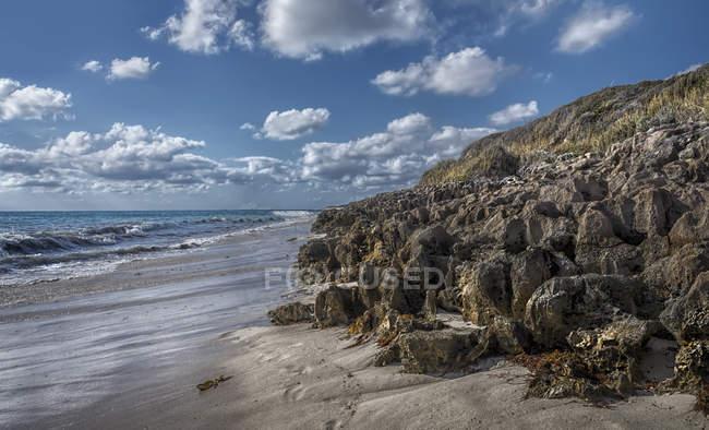 Scenic view of Rocky coastline, Perth, Western Australia, Australia - foto de stock