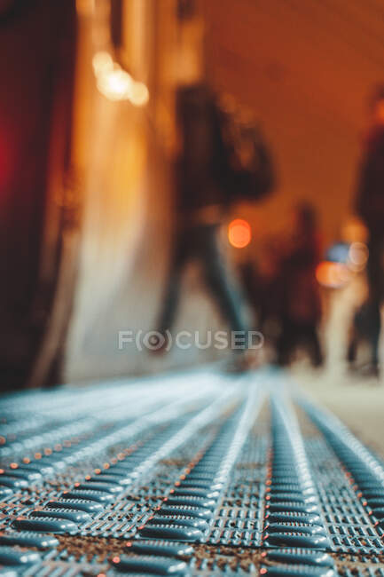 Close-up of Tactile paving on a train station platform, Chicago, Illinois, United States — Stock Photo