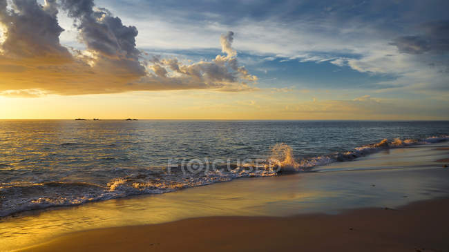 Scenic view of Beach sunset, Burns Beach, Perth, Western Australia, Australia — Stock Photo