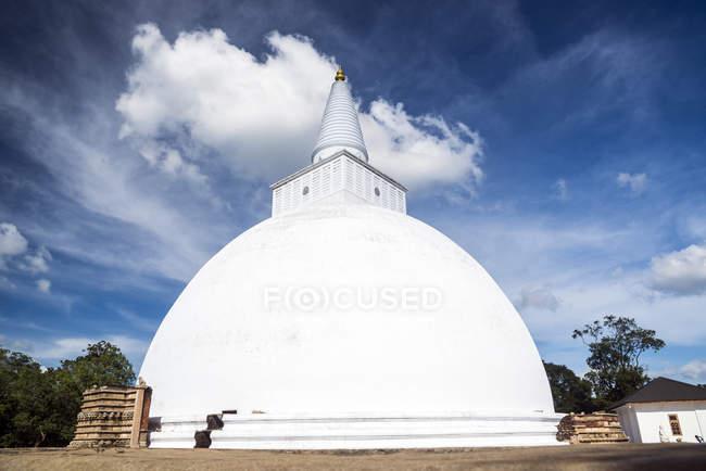 Vista panoramica del buddista Stupa, Avukana, Sri Lanka — Foto stock