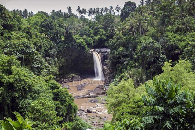Malerische Aussicht von Tegenungan Wasserfall, Ubud, Bali, Indonesien — Stockfoto