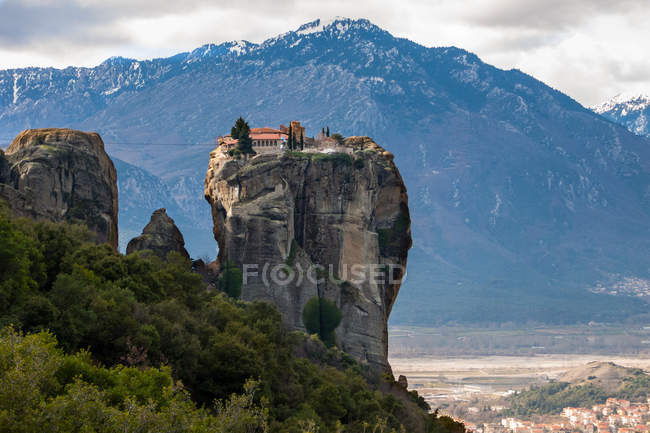 Scenic view of Holy Trinity monastery, Meteora, Thessaly, Greece — Stockfoto