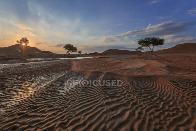 Paesaggio desertico al tramonto, Riad, Arabia Saudita — Foto stock