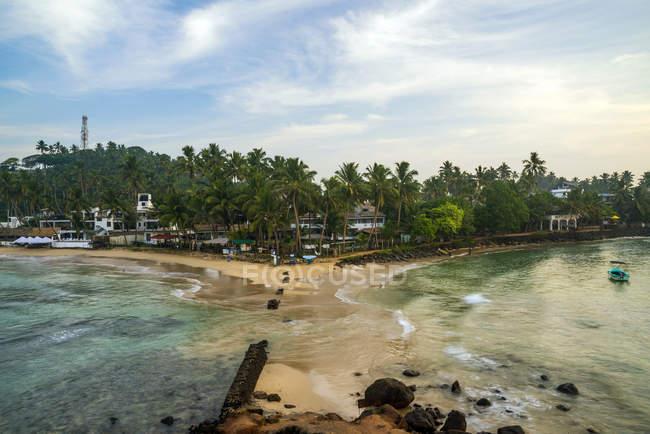 Vista panoramica sul paesaggio della spiaggia, Mirissa, Matara, Provincia meridionale, Sri Lanka — Foto stock