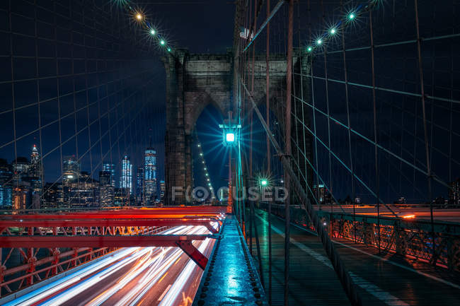 Vista panoramica sul ponte di Brooklyn di notte, Manhattan, New York, America, USA — Foto stock