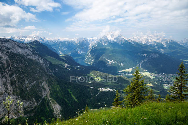 View of the Watzmann and Hochkalter and Konigssee Lake in Berchtesgaden National Park,  Berchtesgadener Land District, Bavaria, German — стокове фото
