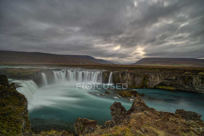Scenic view of gullfoss waterfall at sunset, Iceland — Stock Photo