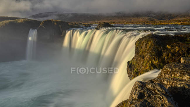 Vista panorâmica do nascer do sol na cachoeira Godafoss, Islândia — Fotografia de Stock