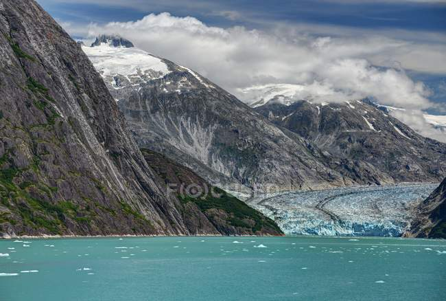 Vue panoramique du Glacier de Dawes, Endicott Arm Fjord, Tongass National Forest, Alaska, Amérique, Usa — Photo de stock