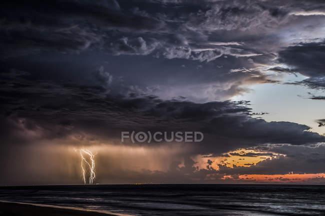 Vista panorâmica da tempestade no mar, Moreton Island, Queensland, Austrália — Fotografia de Stock