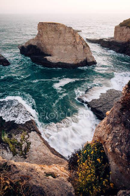 Мальовничий вид на акула FIN Cove, Санта-Крус, Каліфорнія, Америка, США — стокове фото