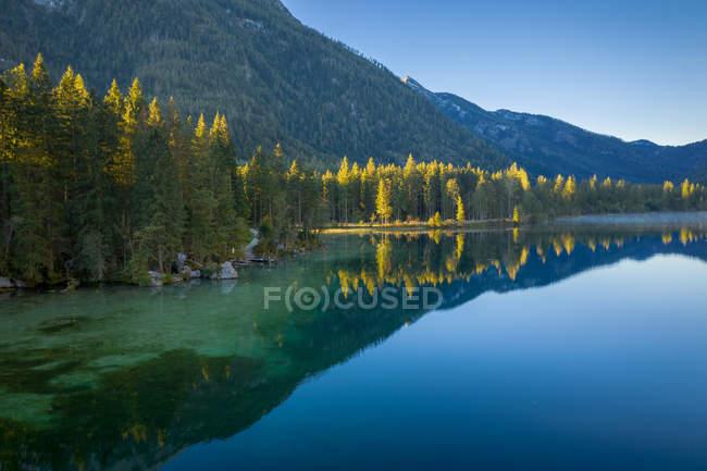 Vue panoramique du lac Hintersee, Ramsau, Berchtesgaden, Bavière, Allemagne — Photo de stock