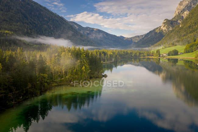 Scenic view of Lake Hintersee, Ramsau, Berchtesgaden, Bavaria, Germany — Stock Photo