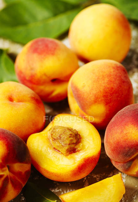 Close-up view of Fresh Peaches fruits — Stock Photo