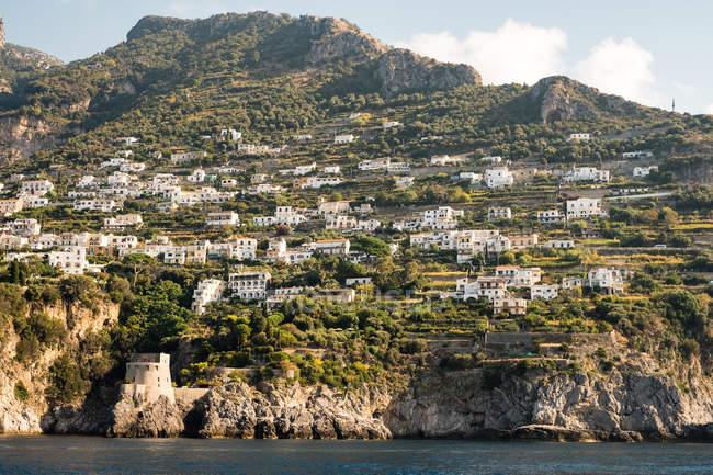 Veduta panoramica della città, Amalfi, Salerno, Campania, Italia — Foto stock