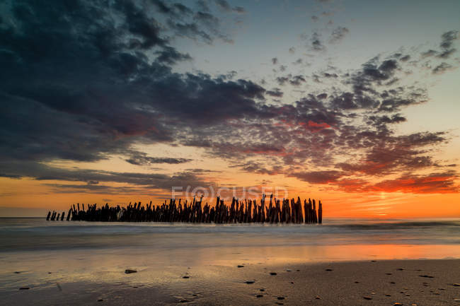 Scenic view of Remains of an old damaged pier, Sventoji, Lithuania — Stock Photo