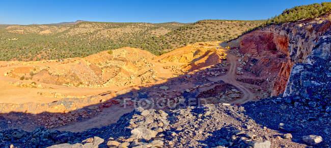 Una cava di roccia inattiva a MC Canyon vicino a Drake Arizona. La cava si trova nella Foresta Nazionale di Prescott. — Foto stock