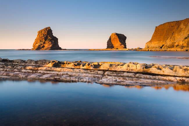 The Twin rocks at sunset, Hendaye, Pirenei-Atlantiques, Aquitania, Francia — Foto stock