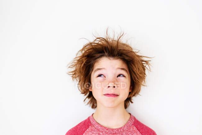 Portrait d'un garçon aux cheveux sales — Photo de stock