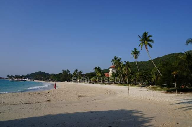 Empty beach, Redang Island, Terengganu, Indonesia — Stock Photo