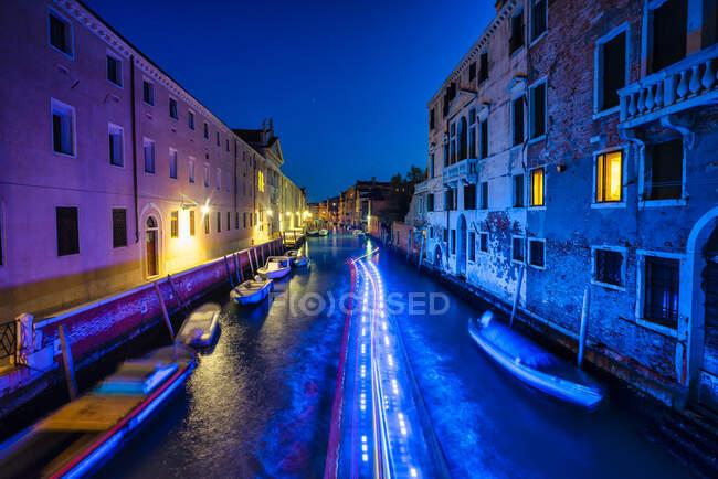 Cannaregio at night, Venice, Veneto, Italy — Stock Photo