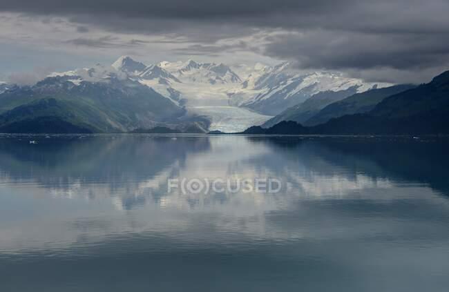 Роздуми в Prince William Sound, Chugach National Forest, Alaska, USA — стокове фото