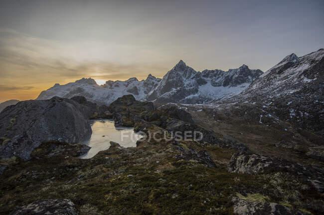 Vista panoramica dal Monte Kollfjellet, Flakstad, Lofoten, Nordland, Norvegia — Foto stock