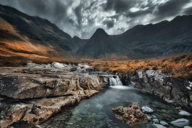 Fairy Pools, Coire ne Campbell, Cullins, Isle of Skye, Шотландия, Великобритания — стоковое фото