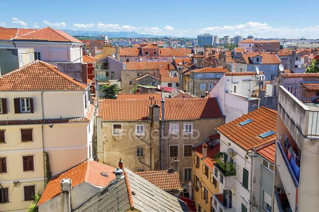 Lisbon, Portogallo-27 settembre 2017: veduta dei tetti della città di porto nel — Foto stock