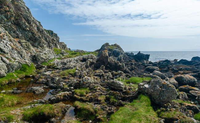 Costa rocciosa, Isola di Arran, Scozia, Regno Unito — Foto stock