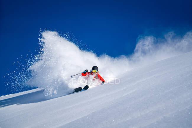 Donna Backcountry Sciare in polvere a Bad Gastein, Salisburgo, Austria — Foto stock