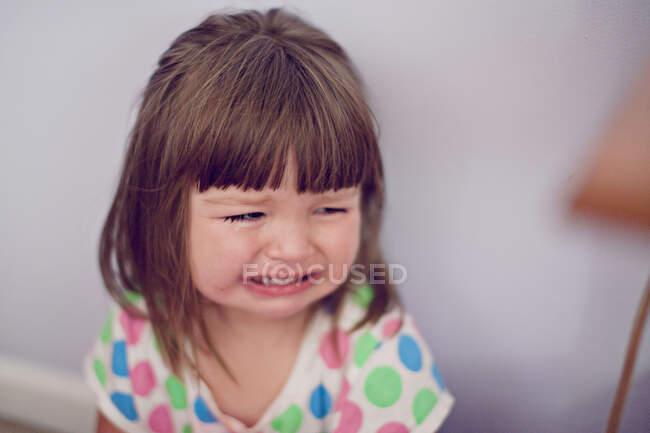 Portrait d'une fille qui pleure — Photo de stock