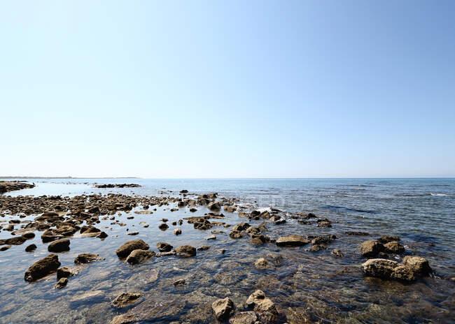 Panoramica di Rocky seascape, Italia — Foto stock