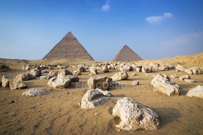 Комплекс пірамід Гізи поблизу Каїра (Єгипет). — стокове фото