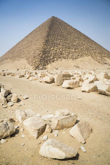 Piramide rossa a Dahshur Necropoli vicino al Cairo, Egitto — Foto stock