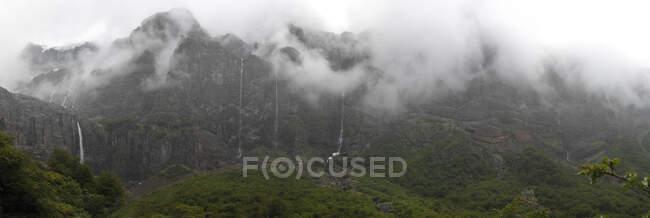 Vista panorámica de Ventisquero Negro, Parque Nacional Nahuel Huapi, Argentina - foto de stock